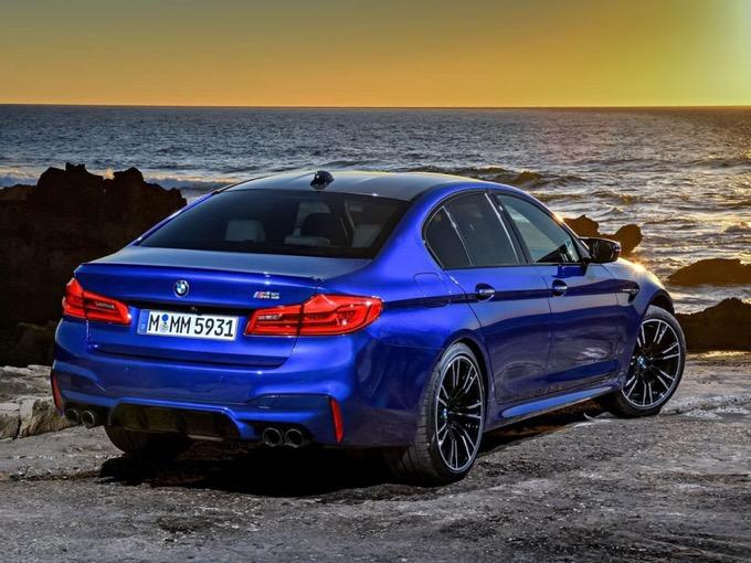 Nuova BMW M5: ancora più potenza con il Competition Package [VIDEO]