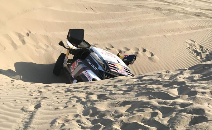 Dakar, Peugeot: ritiro per Loeb durante la 5^ tappa