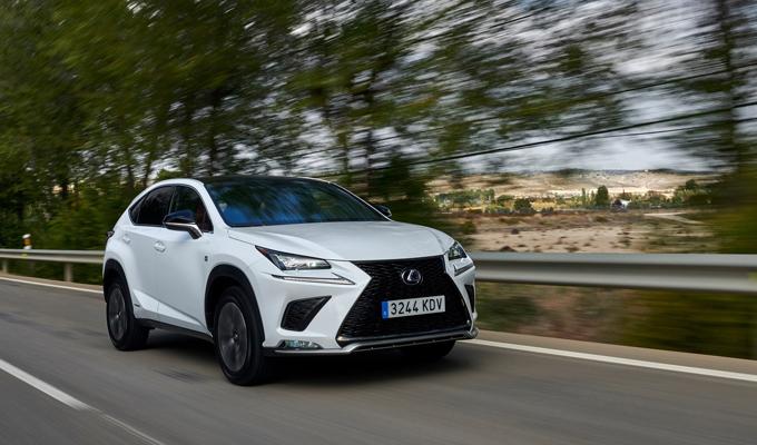 Nuovo Lexus NX Hybrid: porte aperte nei giorni 20 e 21 gennaio [VIDEO]