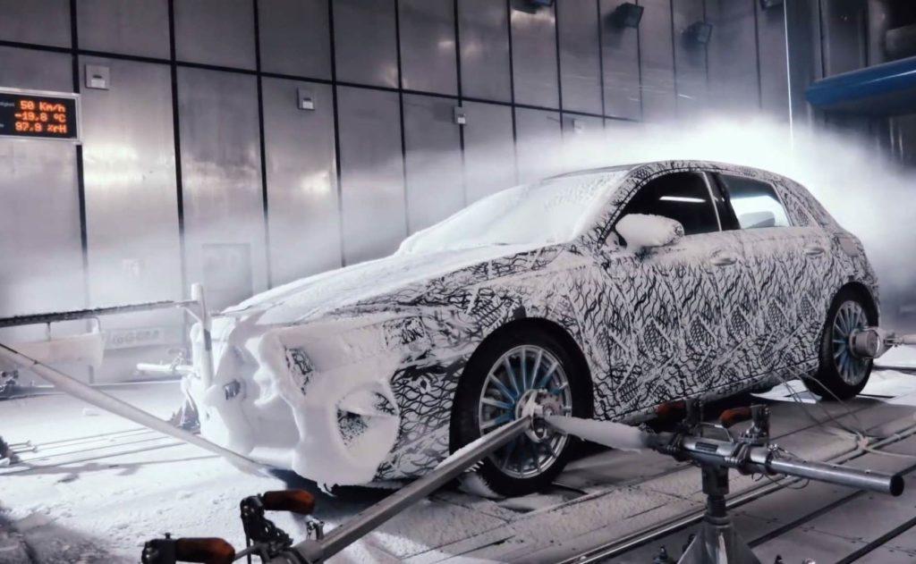 Nuova Mercedes Classe A alle prese con i test invernali [VIDEO]