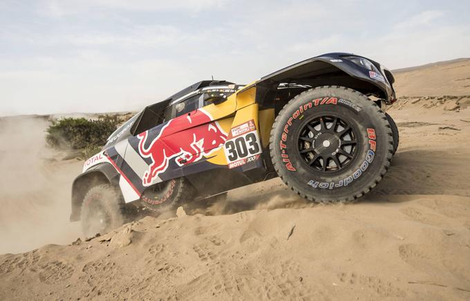 Dakar, Peugeot: doppietta Sainz-Peterhansel nella sesta tappa [SPECIALE DAKAR]