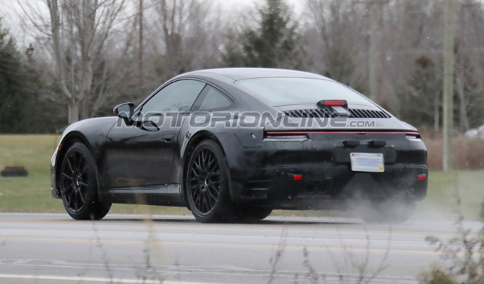 Porsche 911 2019: affiorano nuove voci su un sistema mild hybrid [FOTO SPIA]