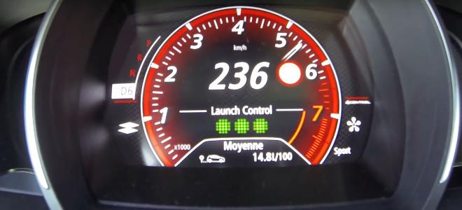 Renault Megane RS, accelerazione bruciante [VIDEO]