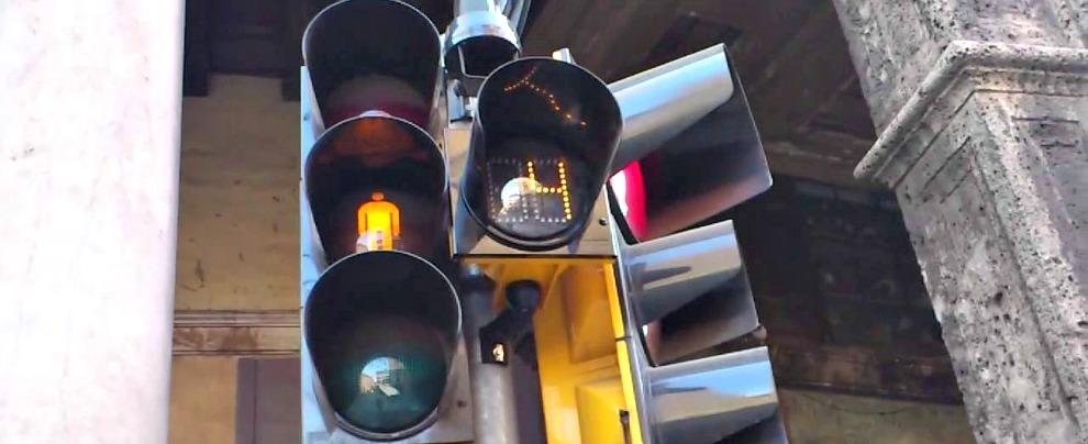 Sicurezza stradale, quest'anno arriva il semaforo col contasecondi