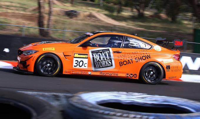 BMW M4 GT4: vittoria al debutto alla 12 Ore di Bathurst