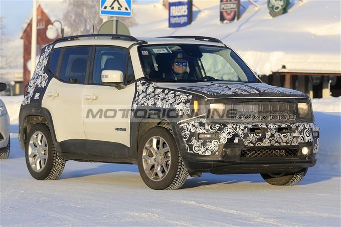Jeep Renegade: test sulla neve per il facelift [FOTO SPIA]
