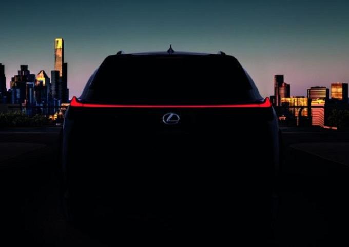 Lexus UX, confermata l'anteprima al Salone di Ginevra 2018 [TEASER]