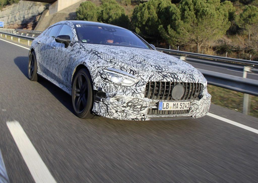 Mercedes-AMG GT4: prime anticipazioni in vista del debutto al Salone di Ginevra [TEASER]