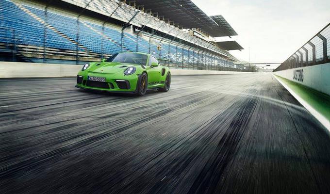Porsche 911 GT3 RS 2019: spuntano in rete alcuni scatti, sarebbe il modello aggiornato? [FOTO]