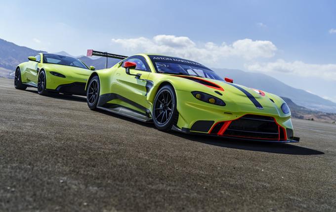 Aston Martin al Salone di Ginevra con la Vantage stradale e da corsa