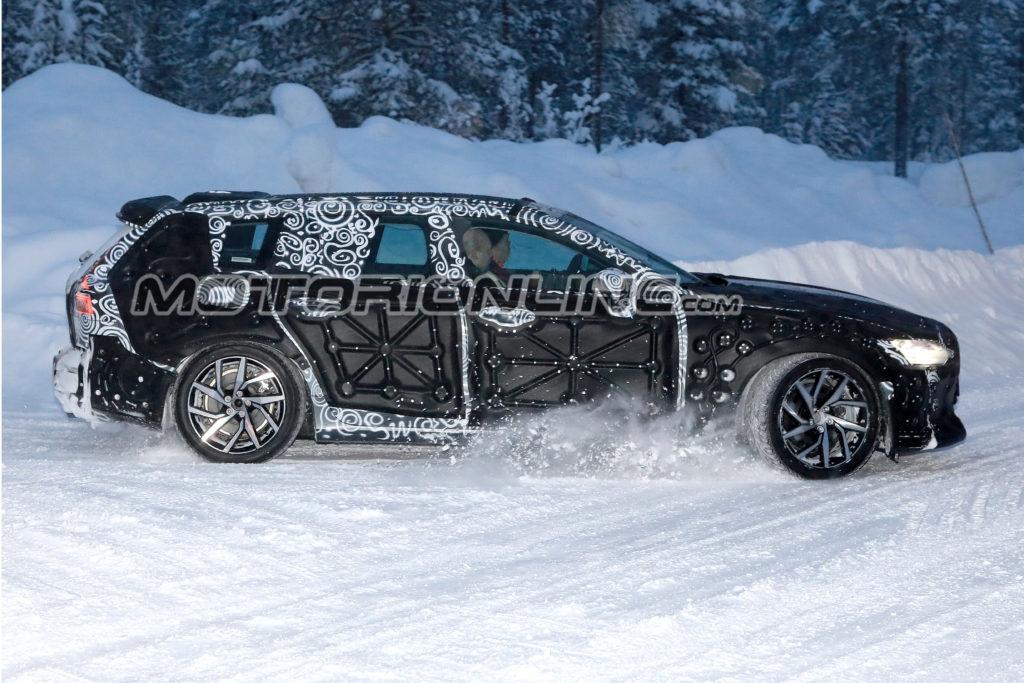 Volvo V60: il nuovo modello sarà svelato online il prossimo 21 Febbraio