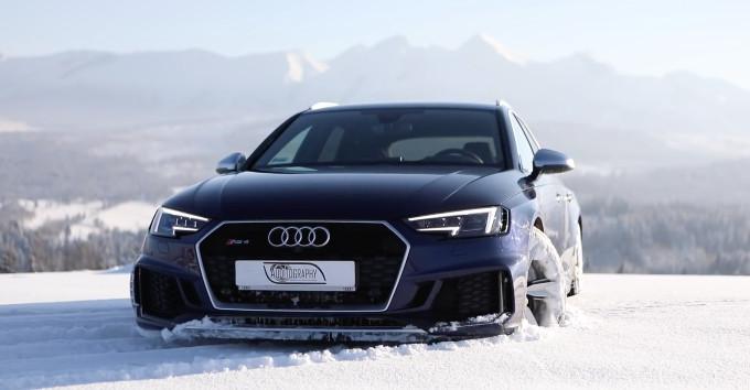 Audi RS4 Avant, perfetta per la guida sulla neve [VIDEO]