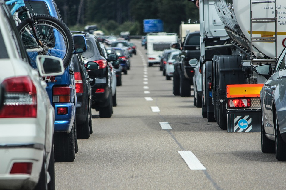 Traffico: gli orari migliori per evitare code in città