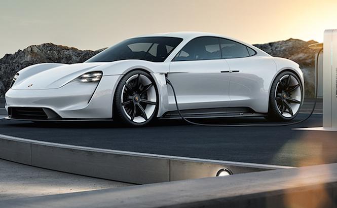 Porsche: oltre 6 miliardi di investimenti sull'elettrico