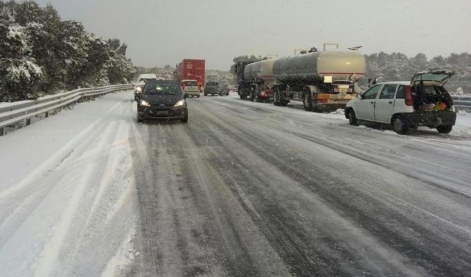 Maltempo e traffico: gelo al Nord, neve al Sud e viabilità anche da codice rosso