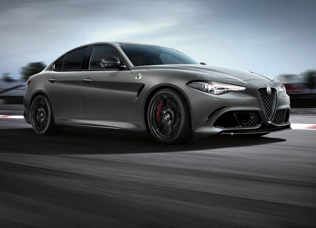 Alfa Romeo Stelvio Quadrifoglio si scatena in Dubai