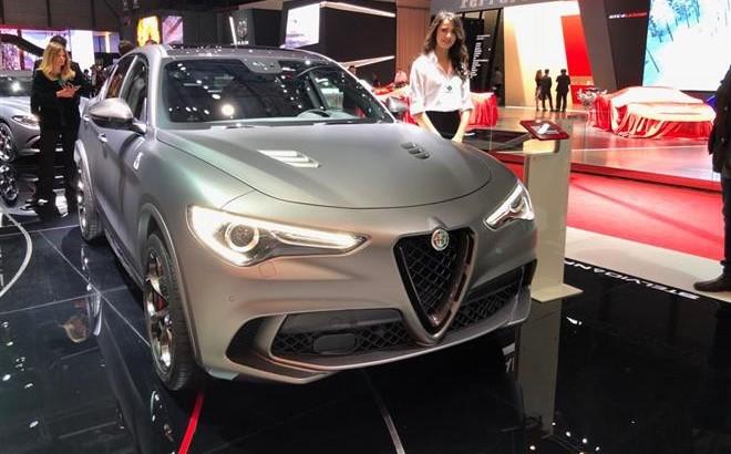 Alfa Romeo Stelvio Quadrifoglio NRing: l'edizione speciale al Salone di Ginevra 2018 [VIDEO LIVE]