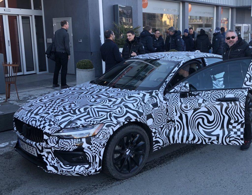 Volvo S60: la prima immagine del nuovo modello è online