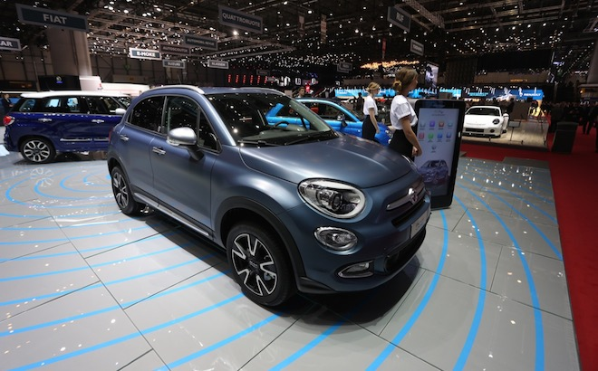 fiat 500x la versione mirror al salone di ginevra 2018 foto live. Black Bedroom Furniture Sets. Home Design Ideas
