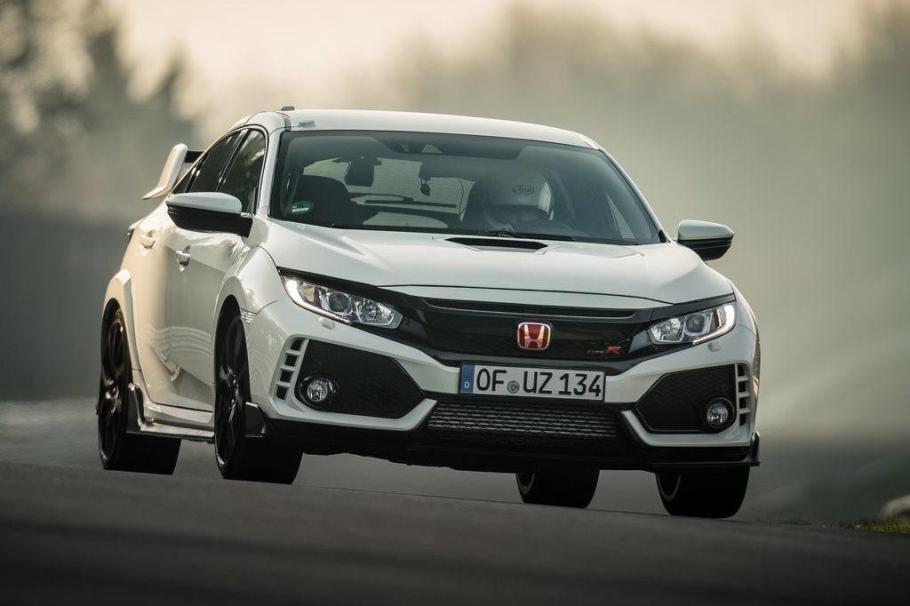 Honda Civic Type R all'inseguimento di nuovi record con Jenson Button [VIDEO]