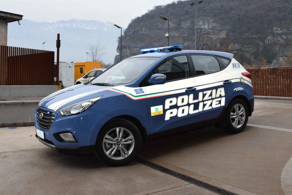 Hyundai ix35 Fuel Cell: Autostrada del Brennero ha consegnato un esemplare alla Polizia Stradale per il Trentino-Alto Adige