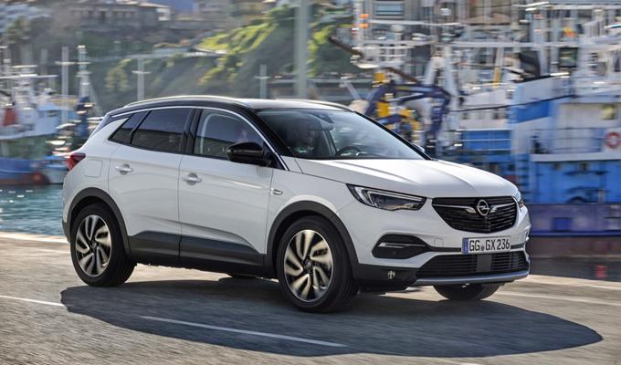 Opel Grandland X Ultimate: diversi contenuti, dinamismo tipico da SUV [VIDEO TEST DRIVE]