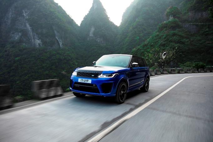 Range Rover Sport SVR: nuovo record sulla Tianmen Road [VIDEO]