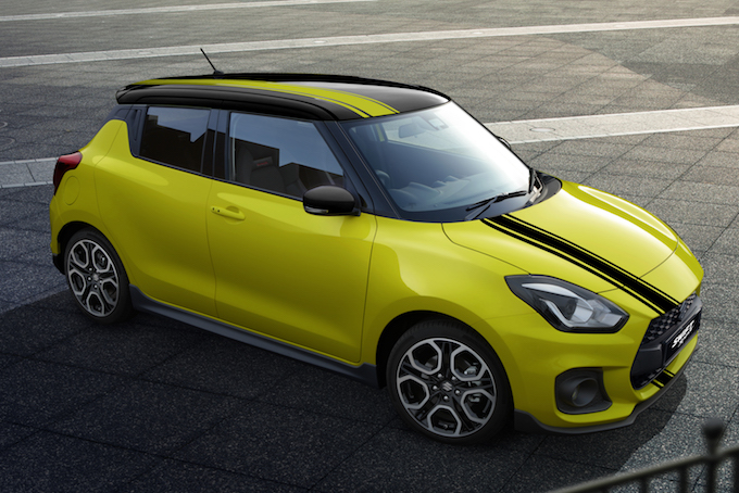 Suzuki Swift Sport BeeRacing fa il suo debutto online