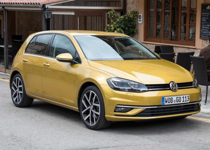 Volkswagen Golf Tech&Sound in promozione a marzo a 17.900 euro