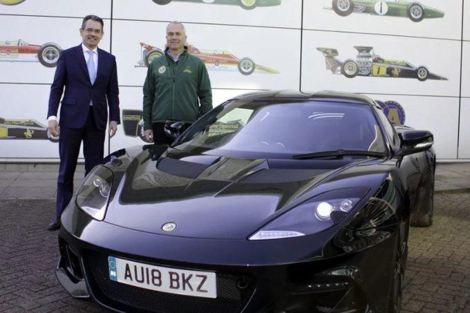 Lotus Evora GT410 Sport: un esemplare consegnato al figlio del fondatore Colin Chapman