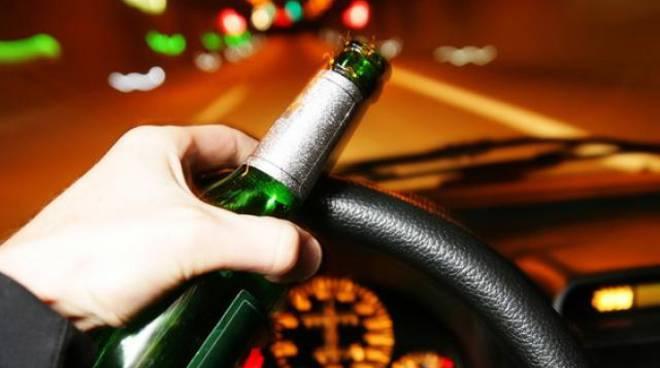 Alcol alla guida: rischi e sanzioni