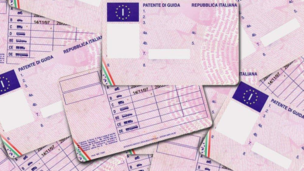 Rinnovo patente: come compilare i bollettini e la documentazione necessaria