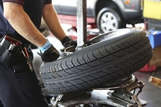 Cambio gomme: quando, come e dove sostituire gli pneumatici