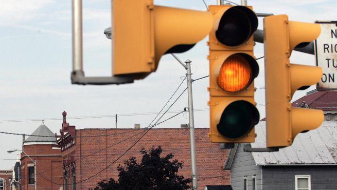 Semaforo giallo: quando si può passare e quando no