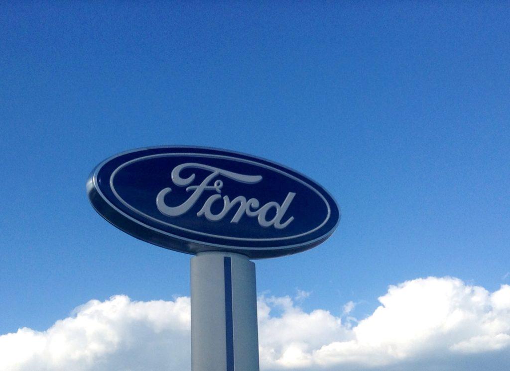 Ford: entro il 2022 ben 16 modelli saranno elettrificati