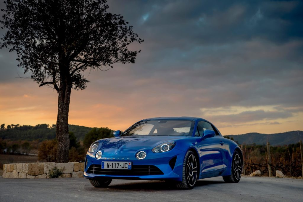 Alpine A110: è suo il premio Five-Star Car