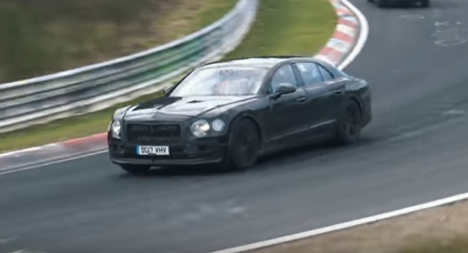 Bentley Flying Spur: la nuova generazione scende in pista [VIDEO SPIA]