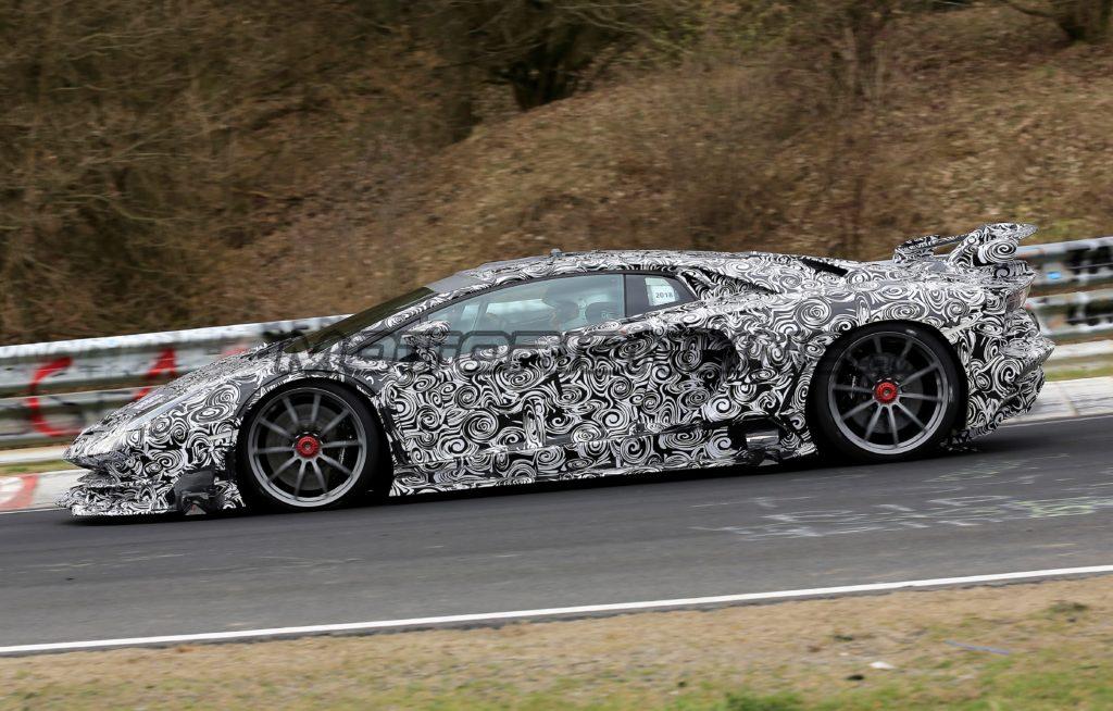 Lamborghini Aventador Super Veloce Jota filmata in pista [VIDEO SPIA]