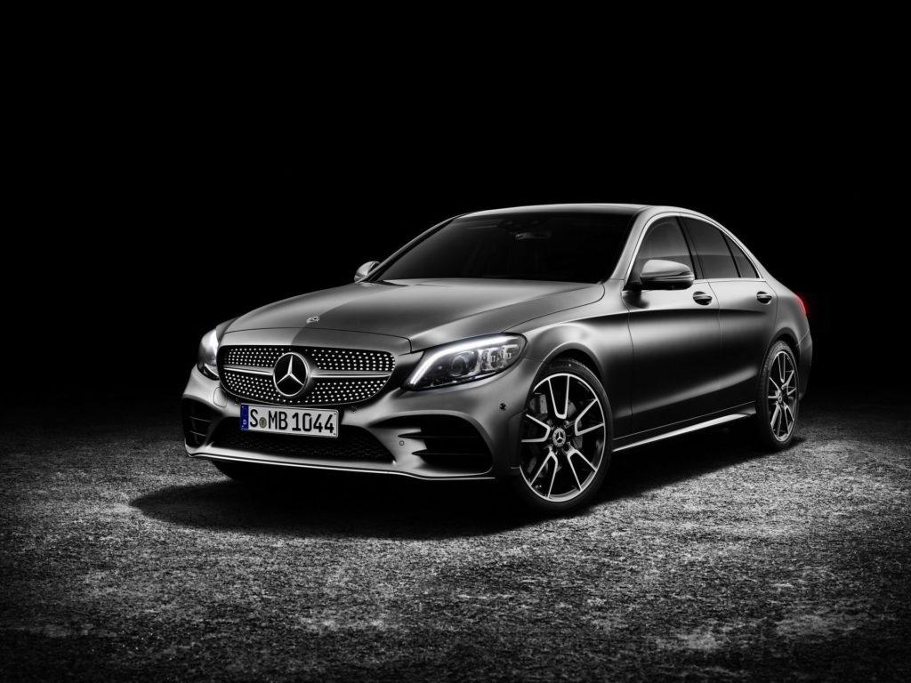 Mercedes: probabile richiamo per 600.000 modelli per problemi legati alle emissioni
