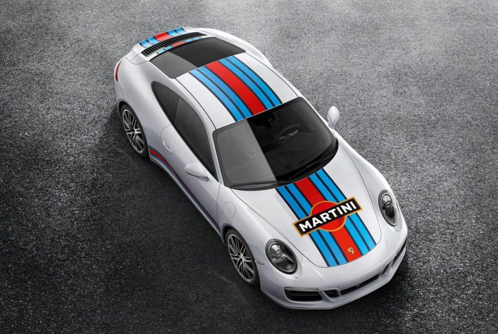 Porsche 911, tra gli optional debuttano le grafiche Martini Racing