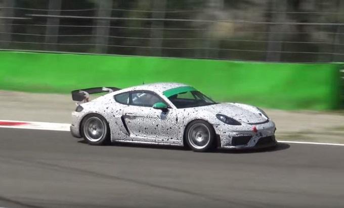 Nuova Porsche Cayman GT4 fa sentire in pista il sei cilindri aspirato [VIDEO SPIA]