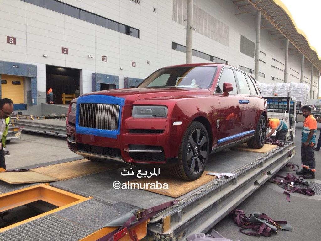 Rolls-Royce Cullinan: panoramica intorno al nuovo SUV a tutto lusso [VIDEO]