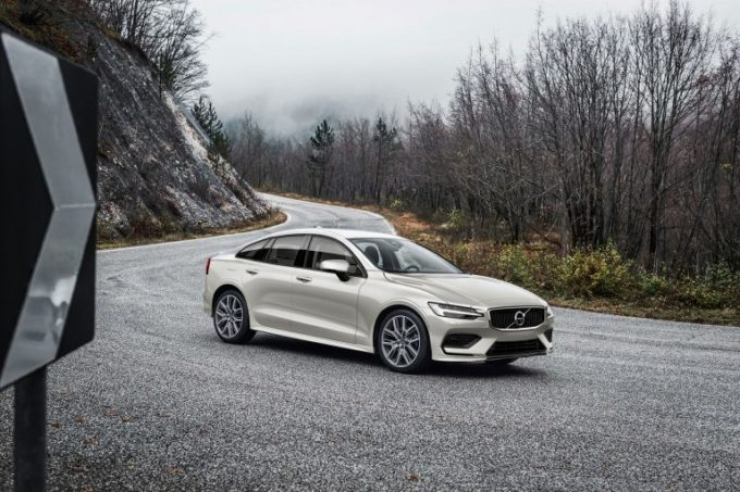 Nuova Volvo S60, tra le motorizzazioni non ci sarà nessun diesel