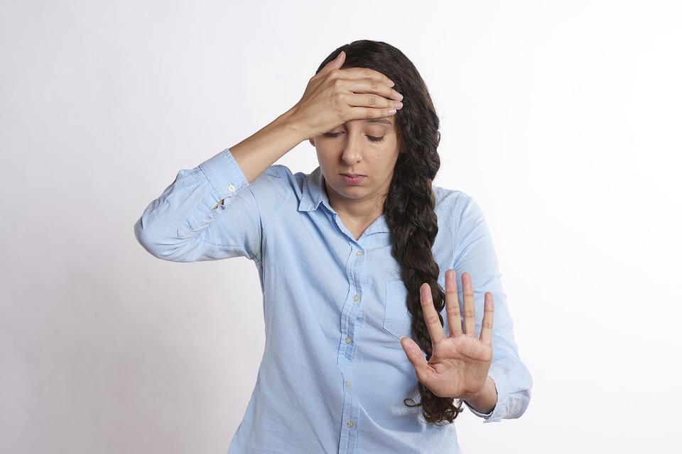 Mal di testa in auto: quando conviene fermarsi