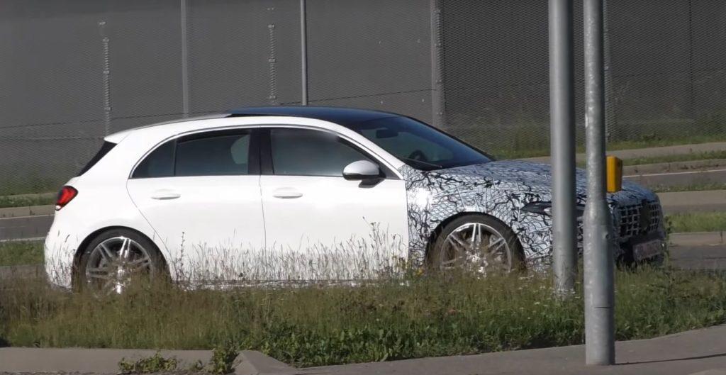 Mercedes-AMG: su strada la variante più estrema della nuova Classe A [VIDEO SPIA]