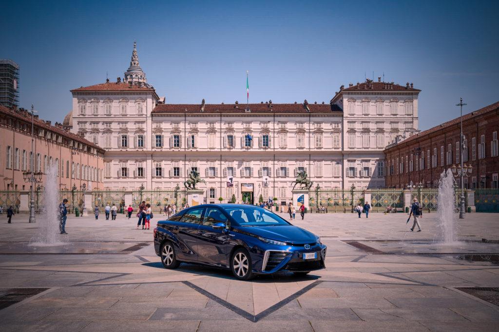 Toyota Mirai: test drive per la Sindaca di Torino