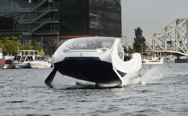 Sea Bubbles: i taxi 'volanti' parigini a zero emissioni sulla Senna [VIDEO]
