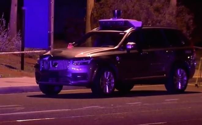 Uber guida autonoma: i motivi dell'incidente mortale in Arizona
