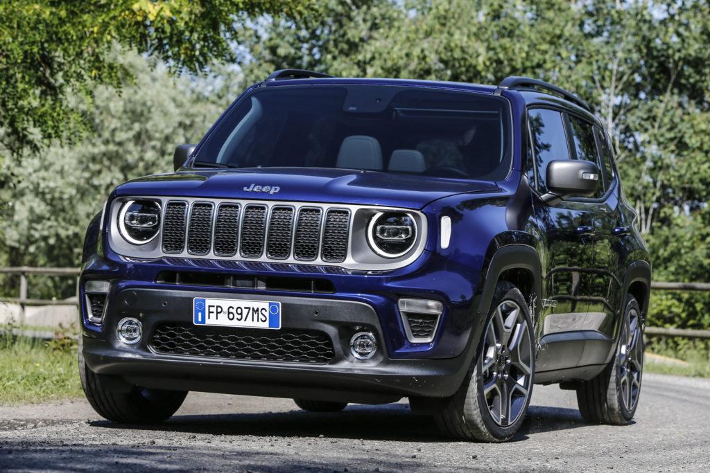 Jeep Renegade: prime immagini ufficiali del restyling