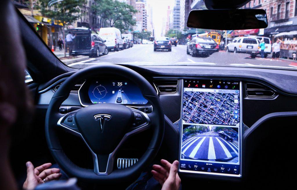 """Tesla, Musk: """"Ad agosto arriva la versione 9 del sistema Autopilot"""""""